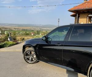 BMW X5 без водителя